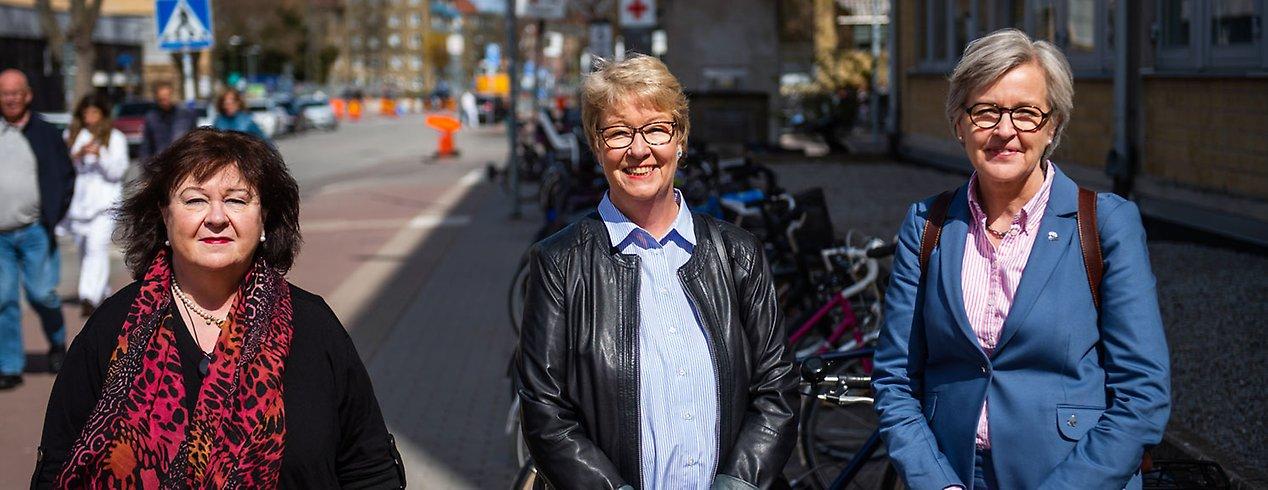 Kunskapen om hemsjukvården hos framtidens sjuksköterskor behöver öka. Därför samverkar parterna nu kring längre praktik i hemsjukvården. Carin Alm-Roijer, Malmö universitet, Pia Nilsson, Malmö stad och Karin Melander, Region Skåne ingår i den styrgrupp som har initierat samarbetet.